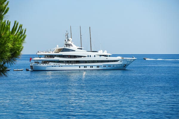 YACHT AND BOAT RENT